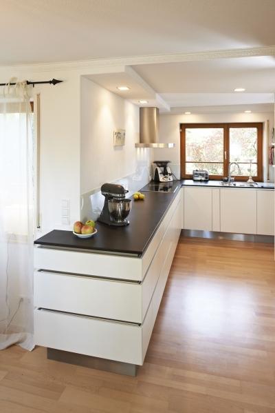 k che 12 m bel b hler schorndorf. Black Bedroom Furniture Sets. Home Design Ideas